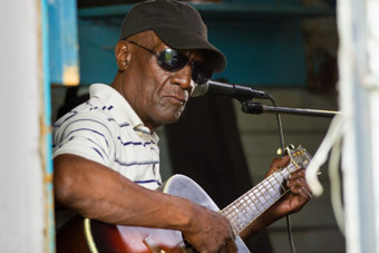 blues artist jimmy duck holmes in bentonia mississippi